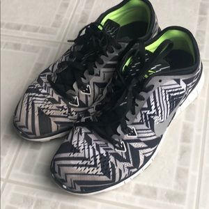 Nike free TR Fit 5.0 Girls sneakers. Size 6